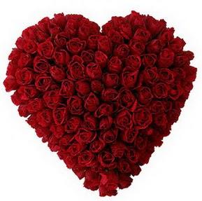 Muş çiçekçi mağazası  muhteşem kırmızı güllerden kalp çiçeği