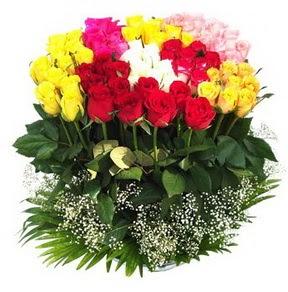 Muş çiçek mağazası , çiçekçi adresleri  51 adet renkli güllerden aranjman tanzimi
