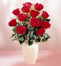 Muş çiçekçi mağazası  9 adet vazoda özel tanzim kirmizi gül