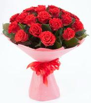 12 adet kırmızı gül buketi  Muş çiçek siparişi sitesi