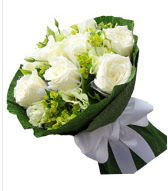 9 adet beyaz gül buketi  Muş çiçek siparişi sitesi