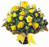 Muş çiçek , çiçekçi , çiçekçilik  Sari gül karanfil ve kir çiçekleri