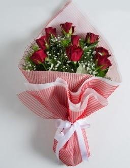 9 adet kırmızı gülden buket  Muş çiçek satışı