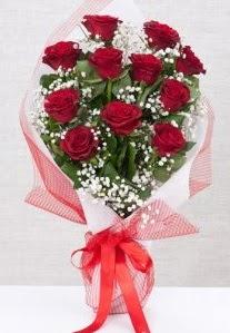 11 kırmızı gülden buket çiçeği  Muş 14 şubat sevgililer günü çiçek