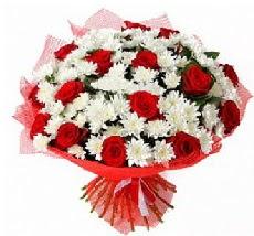 11 adet kırmızı gül ve 1 demet krizantem  Muş çiçek mağazası , çiçekçi adresleri