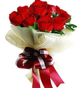 9 adet kırmızı gülden buket tanzimi  Muş çiçek gönderme sitemiz güvenlidir