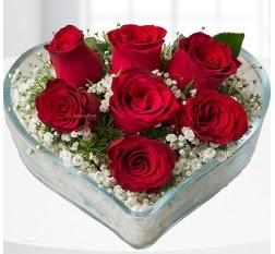 Kalp içerisinde 7 adet kırmızı gül  Muş çiçek servisi , çiçekçi adresleri