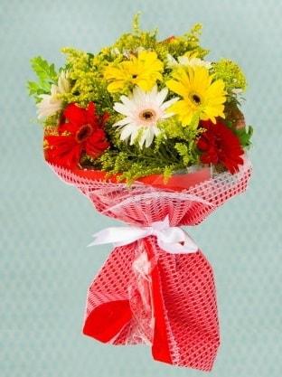 Karışık Gelbera Buketi  Muş çiçek siparişi sitesi