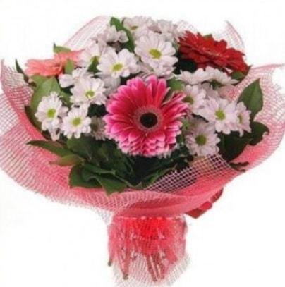 Gerbera ve kır çiçekleri buketi  Muş internetten çiçek siparişi