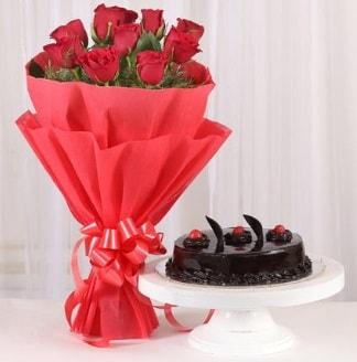 10 Adet kırmızı gül ve 4 kişilik yaş pasta  Muş internetten çiçek satışı