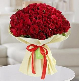 101 adet kırmızı gül buketi koca demet  Muş internetten çiçek siparişi