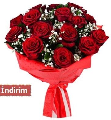 12 Adet kırmızı aşk gülleri  Muş çiçek satışı