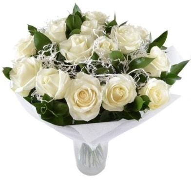 15 beyaz gül buketi sade aşk  Muş çiçek satışı